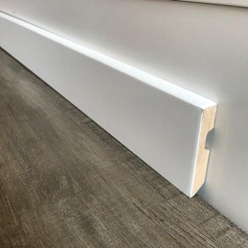 Gegronde witte MDF plint 8cm x 225cm recht
